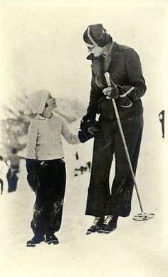 Astrid with her daughter Josephine Charlotte skiing