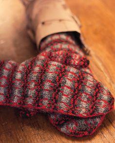 Ravelry: Corrimony Mitts pattern by Emily K Williams Fair Isle Knitting, Knitting Socks, Hand Knitting, Knitting Patterns, Crochet Mittens, Knitted Gloves, Knit Crochet, Hand Wrist, Yarn Inspiration