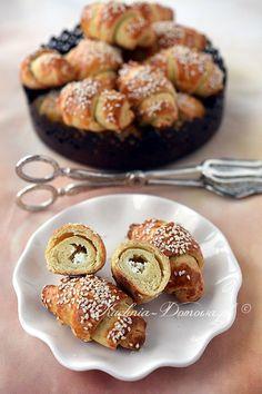 Rogaliki ziemniaczane z fetą Nigella, Impreza, Baked Potato, Feta, Muffin, Potatoes, Baking, Breakfast, Ethnic Recipes