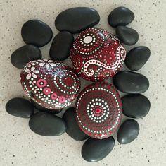 Peint Rock Art rupestre Mandala inspiré Design par etherealandearth