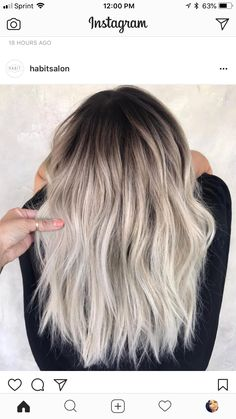 Dark Roots Blonde Hair Balayage, Blonde Hair With Roots, Ice Blonde Hair, Blonde Hair Looks, Hair Highlights, Dark Roots Hair, Chunky Highlights, Ash Hair, Dark Blonde