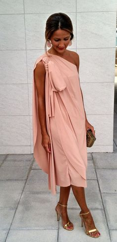 Invitada-Fiesta Invierno 16- 17 Mother Of The Bride Dresses Long, Look Formal, Birthday Woman, Ladies Party, Dress Codes, Wedding Styles, Wrap Dress, Fashion Looks, Street Style