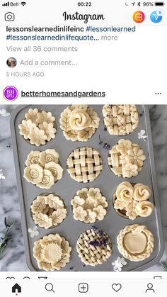 Tiny pies with pretty crusts Pie Dessert, Dessert Recipes, Icing Recipes, Rib Recipes, Oven Recipes, Cream Recipes, Shrimp Recipes, Turkey Recipes, Recipes Dinner