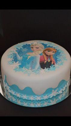 bolo frozen para aniversário simples com Elsa e Ana