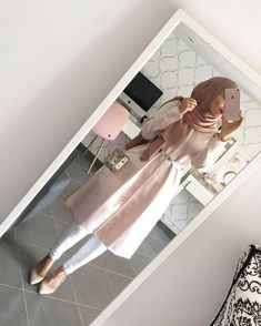 Super sport chic style hijab Ideas actual scarf is an essential portion inside the apparel of gi Modern Hijab Fashion, Islamic Fashion, Muslim Fashion, Emo Fashion, Modest Fashion, Fashion Dresses, Hijab Outfit, Hijab Dress, Hijab Wear