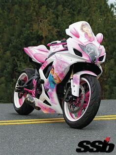 Love the pink handles, rims, and pegs! 2006 Suzuki GSX-R600 in Pink