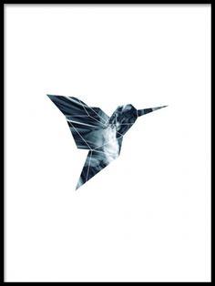Stilren poster med grafiskt motiv av fågel. Moderna tavlor med abstrakta och grafiska motiv. Snygg mörkblå färgton. Vi trycker posters och prints på obestruket papper.