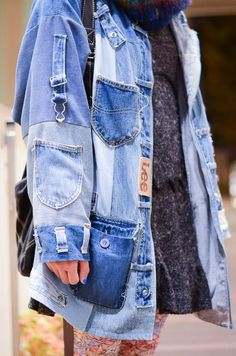 The Denim Industry: Photo Denim Fashion, Look Fashion, Fashion Outfits, Fashion Design, Look Jean, Estilo Jeans, Diy Kleidung, Diy Vetement, Mode Jeans