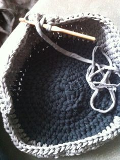 How to #Crochet a T shirt Yarn Pet Bed for Your Four Legged Friend