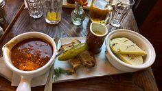 Hovadzi gulas s knedlikom (restauracia Doma na rohu - Manhattan, NY, 2015)
