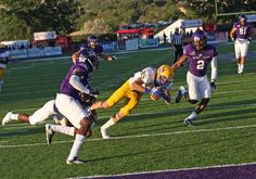 Wes Briscoe makes 20 yard reception down to the Weber St 4 yard line.