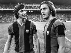 Johan Cruyff and Johan Neeskens playing together at Barca.