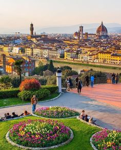 Florence has our vote as one of the most beautiful places in Italy! What is your favorite Italian town? @nodestinations took this photo on their first trip to Italy in March 2014. Thanks for tagging #travelstoke! by matadornetwork