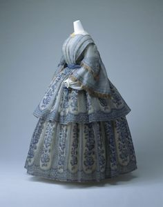 Day dress, ca 1855 England, KCI  Don't normally like this time frame but something about this one is jumping out at me.