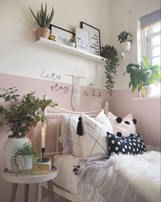 How to paint half-painted walls or transform a room and add a pop of colour. Tips on how to get your lines straight, and how to choose colour schemes. Pink half painted walls in this boho Scandi bedroom, with macrame wall hangings and lots of houseplants Feature Wall Bedroom, Relaxing Bedroom, Bedroom Interior, Bedroom Design, Half Painted Walls, Bedroom Decor, Pink Bedroom Walls, Room Ideas Bedroom, Bedroom Wall Designs