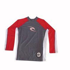 c616c0c8521cd Camiseta de Lycra Rip Curl com 50 vezes mais proteção contra raios UV.  proteção garantida para você se preocupar apenas com o surf.