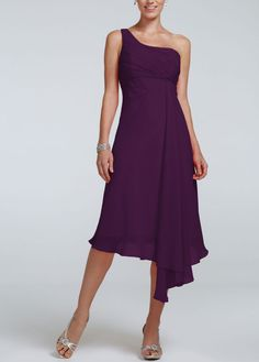 I like this dress and it is in the plum color :)