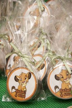 Mint tins with M's / Latinha M's Lion King Party, Lion King Birthday, Safari Theme Party, Party Themes, Baby Simba, Boys First Birthday Party Ideas, Lion King Baby Shower, Mint Tins, Le Roi Lion