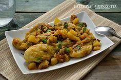 Il pollo con patate e olive è un gustosissimo secondo piatto. Con la cottura in tegame, come uno spezzatino, i sapori si amalgamano perfettamente tra di loro!