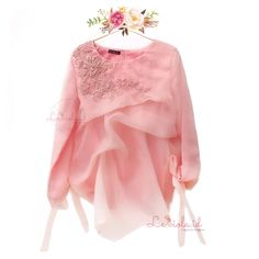 Size S to L (or by request) Available in other color . Street Hijab Fashion, Muslim Fashion, Indian Fashion, Womens Fashion, Blouse Styles, Blouse Designs, Modern Kebaya, Muslim Dress, Organza Dress