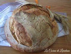Una ricetta semplice semplice per preparare in casa una deliziosa pagnotta di Pane senza impasto in pentola con lievito madre o con lievito di birra