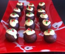Recipe Mini Christmas Puddings by Valentine Carter, learn to make this recipe easily in your kitchen machine and discover other Thermomix recipes in Desserts & sweets. Mini Christmas Puddings, Christmas Treats, Xmas Food, Christmas Cooking, Healthy Christmas Recipes, Xmas Recipes, Bellini Recipe, Xmas Desserts, Thermomix Desserts