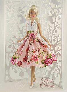 Pink Petals by Gwendolyns Treasures, via Flickr