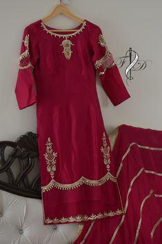 Embroidery Suits Punjabi, Embroidery Suits Design, Embroidery Dress, Punjabi Suits Designer Boutique, Indian Designer Suits, Party Wear Indian Dresses, Trendy Suits, Shadi Dresses, Pakistani Dress Design