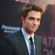 Just look at that gorgeous face! {Berlin premier of Cosmopolis}