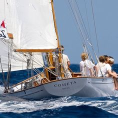 Sparkman & Stephens-designed yawl Cometa finished in the third position in Marconi Class on II edition of Puig Vela Classica #sailyacht #sailingyacht #sailboat #sailingboat #sail #sailing# yacht #yachting #nautica #classicyacht #classicboat #classic #puigvelaclassica