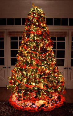 Beautiful traditional #Christmas tree #lights