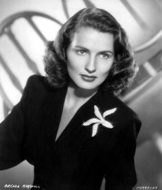 Brenda Marshall in 1947 // Born: Birthplace: Negros, Philippines Old Hollywood Style, Hooray For Hollywood, Old Hollywood Glamour, Golden Age Of Hollywood, Vintage Hollywood, Hollywood Stars, Classic Hollywood, Classic Actresses, Hollywood Actresses