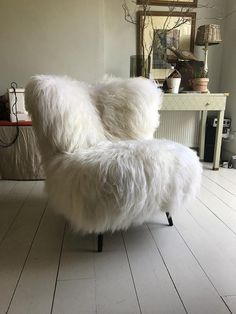 Iceland Sheepskin Cocktail Chair
