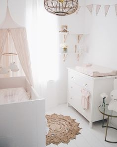 Bei euch steht Nachwuchs an? Wir zeigen euch, wie ihr das Babyzimmer richtig ein… Do you have youngsters? We will show you how to set up the baby room correctly and which mistakes you should definitely avoid … Baby Room Boy, Baby Bedroom, Baby Room Decor, Nursery Room, Girl Room, Girls Bedroom, Girl Nursery, Ikea Baby Bed, Small Baby Nursery