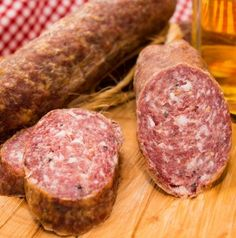 Wintermettwurst - our home - Sausage Recipes German Sausage, Best Sausage, Homemade Sausage Recipes, Homemade Cornbread, Jambalaya Soup, Rinder Steak, Boiled Egg Diet Plan, Coconut Chicken, How To Make Sausage
