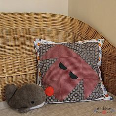 A decorative patchwork pillowcase. Patchwork blocks show the head of a friendly dog. The central motif is framed with a floral-patterned fabric. It is the perfect bedroom decoration and this soft puppy can become a kid's best friend. Handmade Envelopes, Patchwork Pillow, Dog Friends, Pillow Cases, Sewing Projects, Cotton Fabric, Bedroom Decor, Kid, Buttons