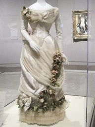 1880s Evening-Dress-House-of-Worth back-in-the-days