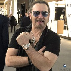 Eric Singer wearing the Zodiac Super Sea Wolf Topper Edition that he helped design Kiss Members, Eric Carr, Star Children, Rock Bands, Mens Sunglasses, Singer, Drummers, Guys, Celebrities