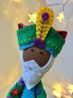 Christmas Nativity, Christmas Crafts, Christmas Ornaments, Felt Crafts Patterns, Advent Candles, A Child Is Born, Reno, Felt Dolls, Crafts To Make