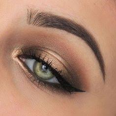 Eyeshadow using the @toofaced Original Chocolate Bar palette!