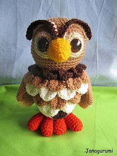 I love this owl-he's so original.    Owl Hedwig pattern by Jana Ganseforth