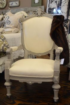 Vintage West: Painting Fabric With Annie Sloan Chalk Paint