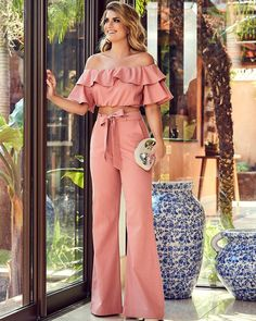 Swans Style is the top online fashion store for women. Shop sexy club dresses, jeans, shoes, bodysuits, skirts and more. I Love Fashion, Fashion Looks, Womens Fashion, Fashion Design, Chic Outfits, Fall Outfits, Essentiels Mode, Mode Chanel, Pinterest Fashion