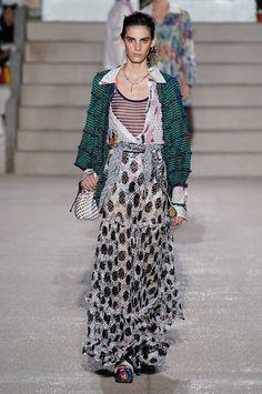Missoni Spring 2020 Ready-to-Wear Fashion Show : Missoni Spring 2020 Ready-to-Wear Collection - Vogue 2020 Fashion Trends, Fashion 2020, Runway Fashion, Boho Fashion, Fashion Brands, Fashion Design, Missoni, Milano Fashion Week, Bohemian Mode