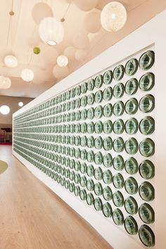 Temp Wall made or recycled glass bottles - EAT-DRINK-DESIGN