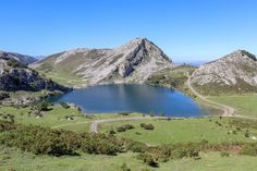 Lagos de #Covadonga #Asturias #PicosdeEuropa Asturias Spain, Mountains, Nature, Travel, Del Mar, Naturaleza, Viajes, Destinations, Traveling