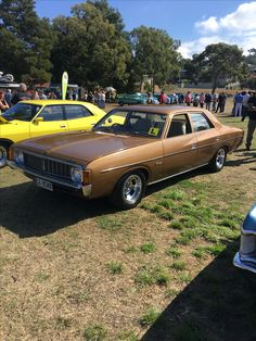 My awesome VJ Valiant Chrysler New Yorker, Australian Cars, Cars And Motorcycles, Muscle Cars, Charger, Awesome, Vehicles, Autos, Antique Cars
