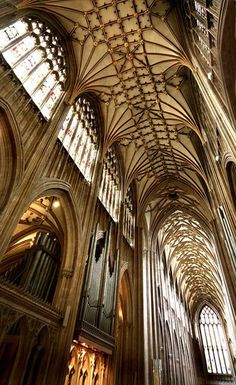 Details, details...High praise, St Mary Redcliffe, Bristol, UK, photo by archidave via Flickr. https://musetouch.org/?cat=19