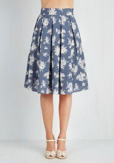 Tea Date Skirt. Notes for a friends novel in hand, you swish into the tea shop in this floral chambray skirt for a late lunch! #blue #modcloth