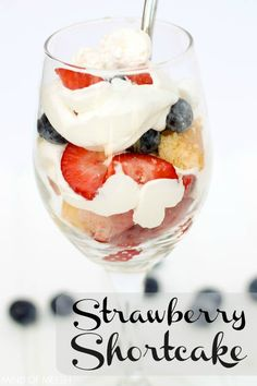 Mini No Bake Strawberry Shortcake Dessert Treat - Mind of Meesh